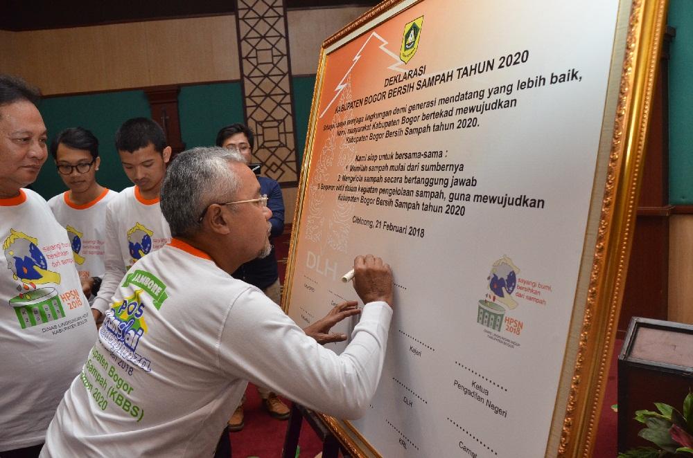 Indonesia & Kabupaten Bogor Bebas Sampah Tahun 2020