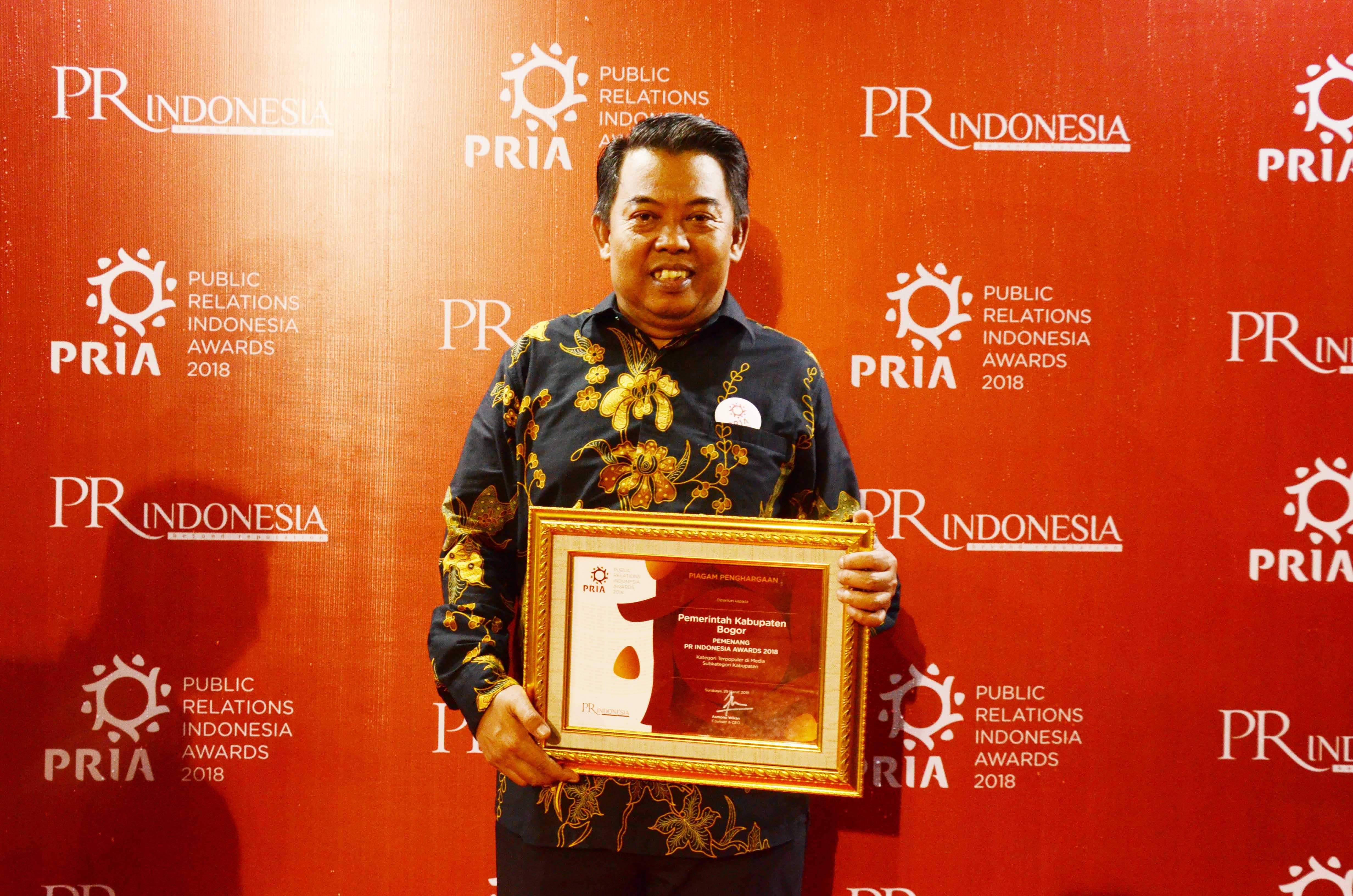 Pemerintah Kabupaten Bogor dinobatkan sebagai pemerintah daerah terpopuler di media pada ajang Public Relation Indonesia Awards (PRIA) 2018