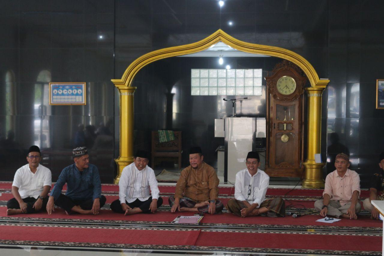Melaksanakan Tarawih Keliling di Kecamatan Nanggung,  Kadiskominfo Ingatkan Pentingannya Zakat