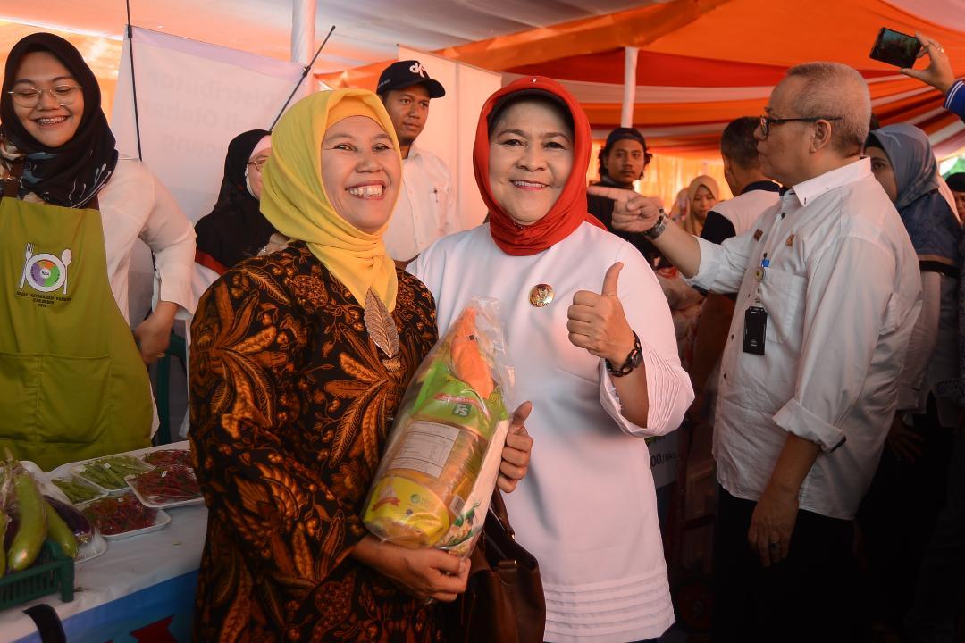 Bupati Bogor Buka Bazar Ramadhan Bazar Ramadhan 1439 H dan Pasar Murah di Halaman Kantor Dinas Koperasi Usaha Kecil dan Menengah
