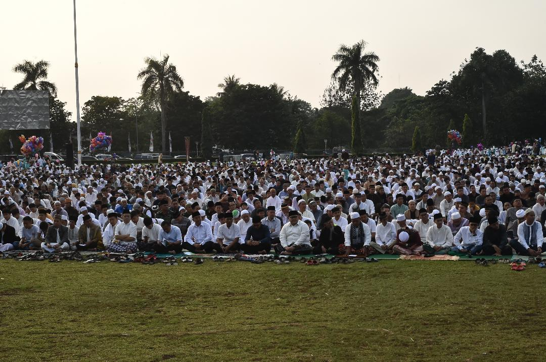 Bupati Bogor Sholat Ied  Bersama Warga Kabupaten Bogor