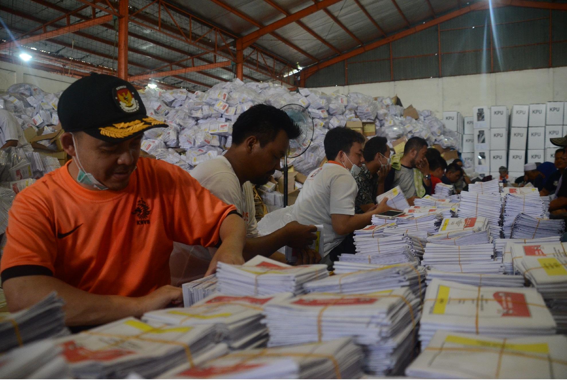 Persiapan Logistik Pemilu 2019 Di Kabupaten Bogor  Memasuki Tahap Pengepakan dan Sortir Ulang Surat Suara