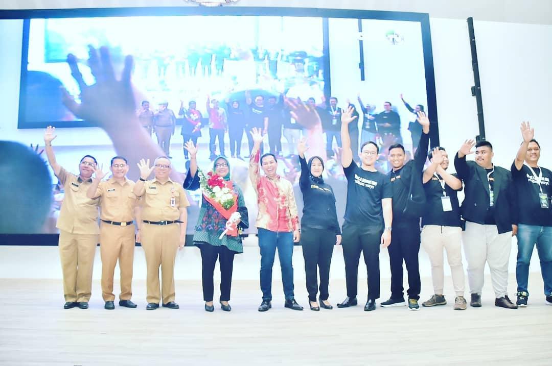 Dikukuhkan Jadi Brand Ambasador UMKM Kabupaten Bogor Ade Yasin Ingin Bangun Pusat OKB