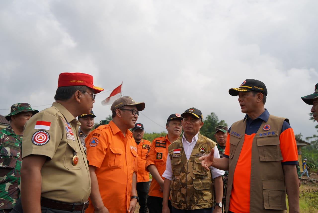 BNPB siagakan helikopter di Kecamatan Sukajaya Kabupaten Bogor