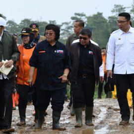 Bupati Bogor dampingi Presiden Tanam Vetiver di Sukajaya
