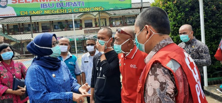 Cegah Penyebaran Corona PMI Kabupaten Bogor Lakukan Penyemprotan Disinfektan