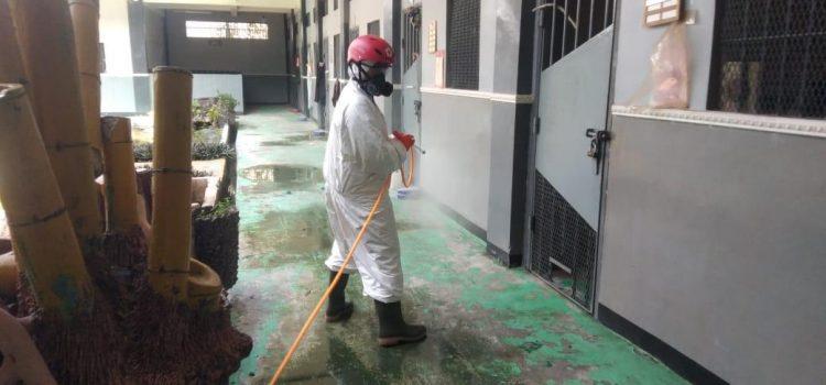 PMI Kabupaten Bogor Lakukan Penyemprotan Disinfektan di Lapas Gunung Sindur