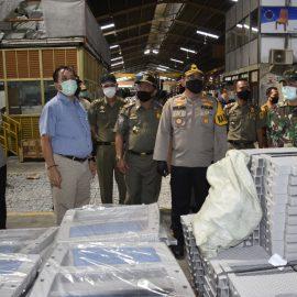 Kapolres Bogor bersama  Dandim 0621 Kasatpol PP dan Disperindag Kabupaten Bogor cek Penerapan Protokol Kesehatan di mall dan Pabrik-pabrik*