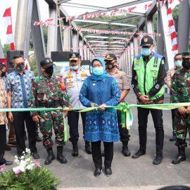 Resmikan Jembatan Gerendong, Ade Yasin Berharap Kelancaran Transportasi bisa Mendongkrak Roda Perekonomian